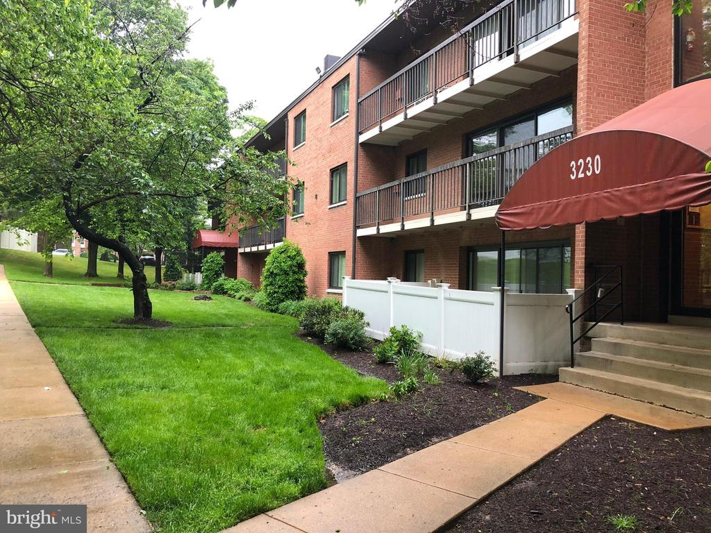 Photo of 3230 S 28th St #301