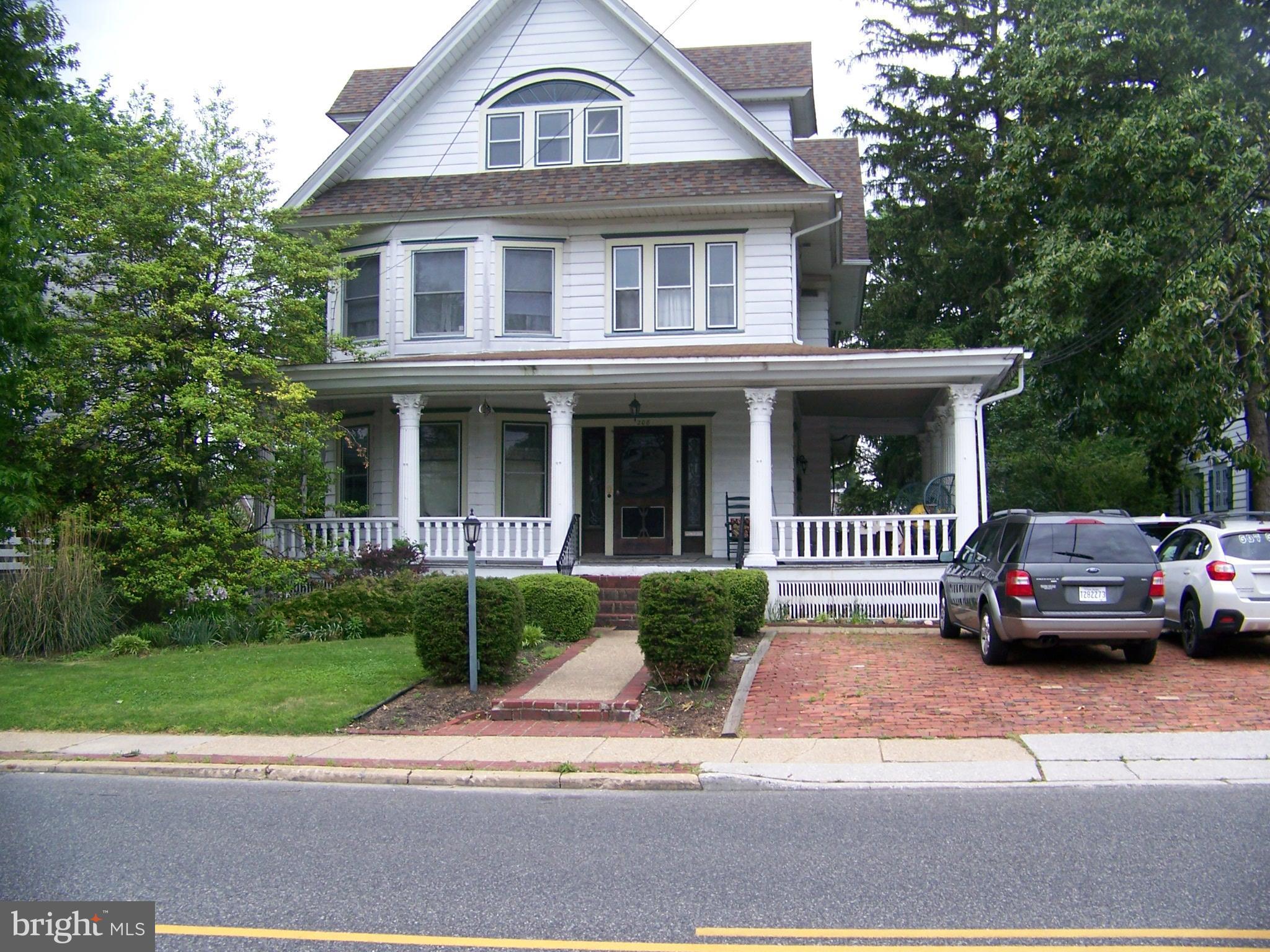 208 W HOLLY AVENUE, PITMAN, NJ 08071