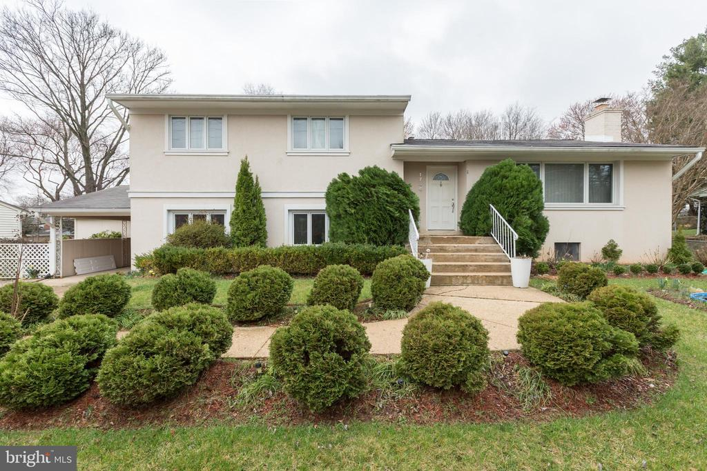 Highly desirable Stucco & brick split level house with beautiful landscape in Mclean. A total of 4 floors  with  2476 sq. ft of living area ( not including the fully walkout  finished  basement of 360 sq. ft) You can't beat this amazing location close to DC, Arlington and Tysons. Accessible to 66, 495, silver line, orange line. Highly desirable public schools;  Kent Garden elementary, Haycock Middle-school, and Mclean HS (walking distance). Fully fenced backyard with a  partially enclosed deck. Hardwood floors and basement. Pella windows through the home. 2 split levels of 1720 sq ft  the main floor has a large, open, bright red modern kitchen that opens to the deck with:  Fisher Paykel double dishwasher, double wall oven and stove top; separate dining room with French doors   o o the deck, large living room  with modern fireplace.   The 2nd floor has the main en suite bedroom and 2 additional bedrooms with a full bathroom. 756 sq. ft ground level consisting of an en suite bedroom and bathroom, powder room, and large and bright family room with natural light with built in  bookcases. The basement consists of an office area, rec. space, laundry area, and own room for storage.
