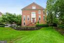 7468 Carriage Hills Dr