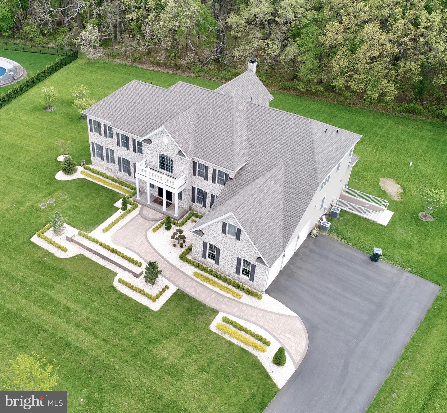 30 Weathervane Cir Cream Ridge NJ 08514