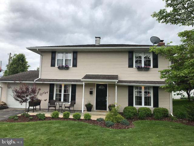 42 TURF ROAD, LEVITTOWN, PA 19056