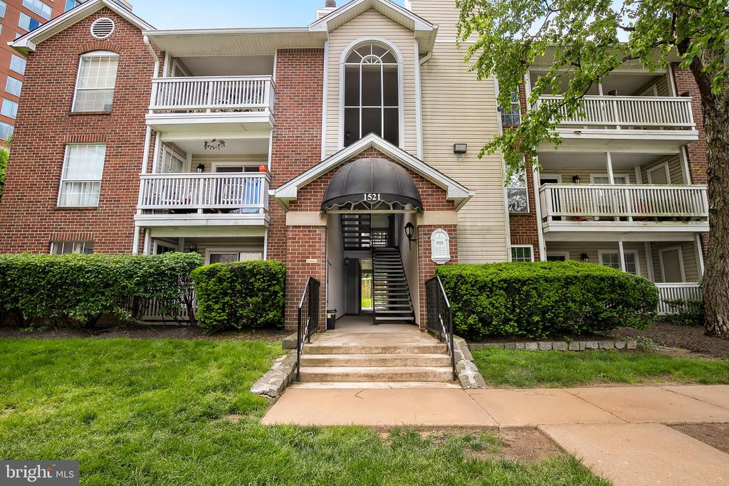 1521 Lincoln Way #104, McLean, VA 22102