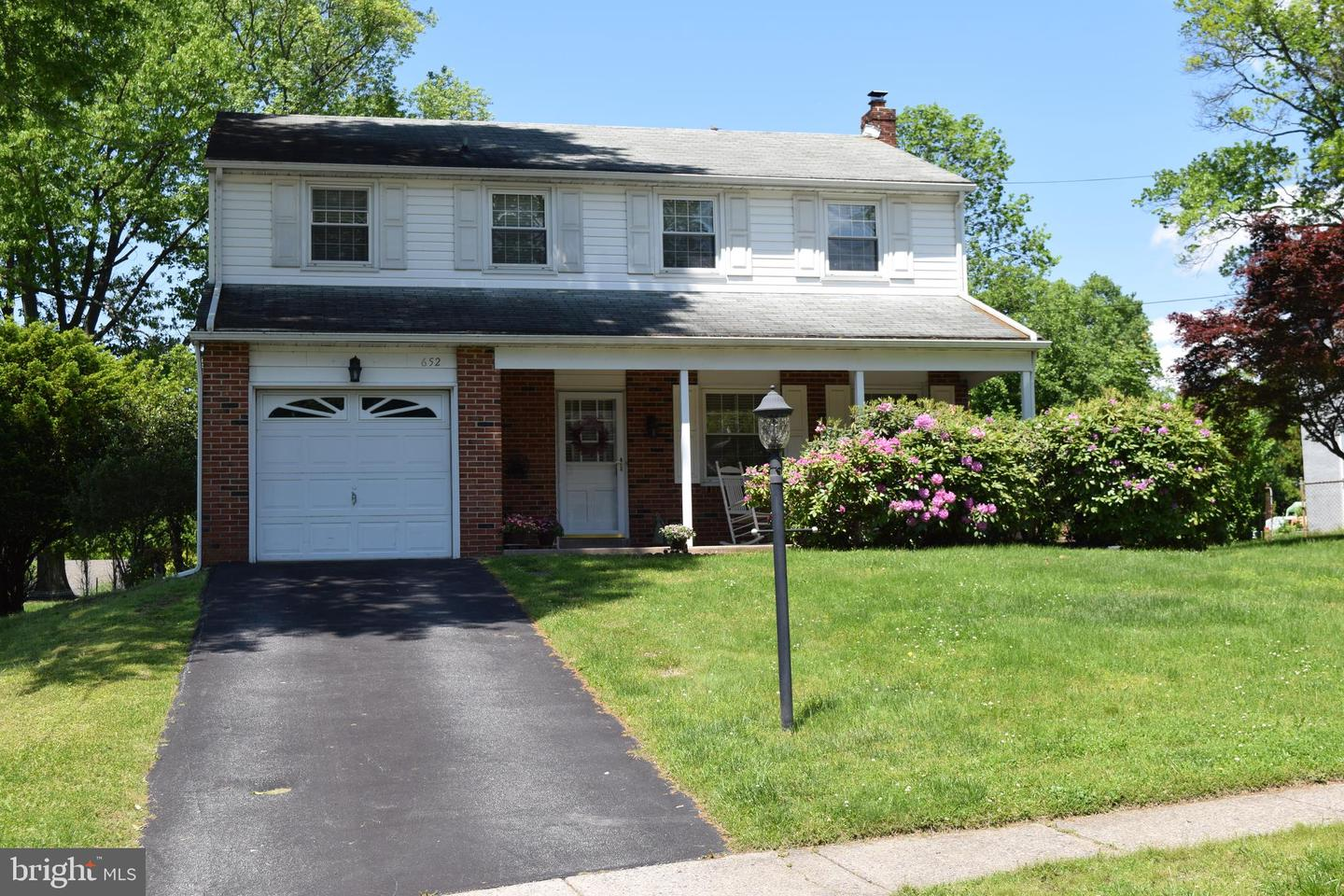 652 Old Schoolhouse Drive Springfield, PA 19064