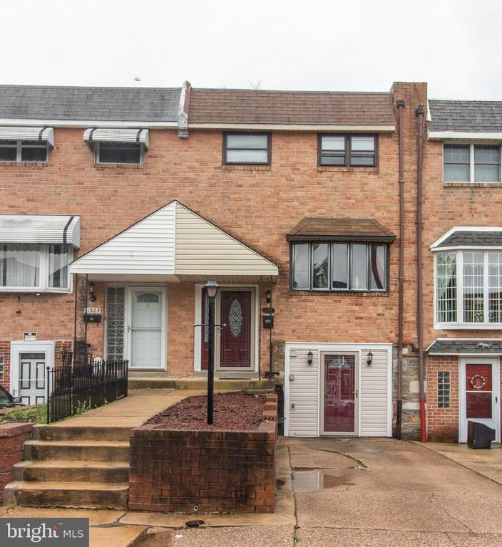 11923 Millbrook Rd, Philadelphia, PA...