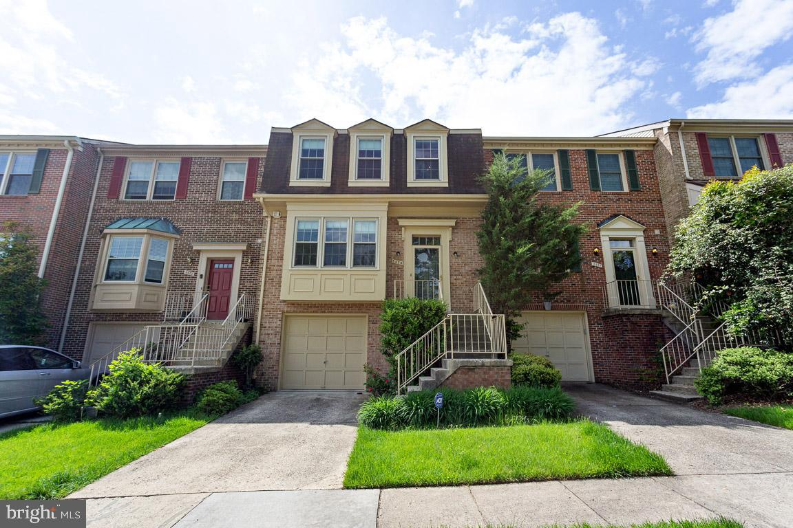 Gorgeous, recently renovated 1 car garage townhouse in prime location. Upscale upgrades! Great Schools!Easy access to Ft Belvoir, Pentagon, DC & Maryland. Owner occupied until 06/15