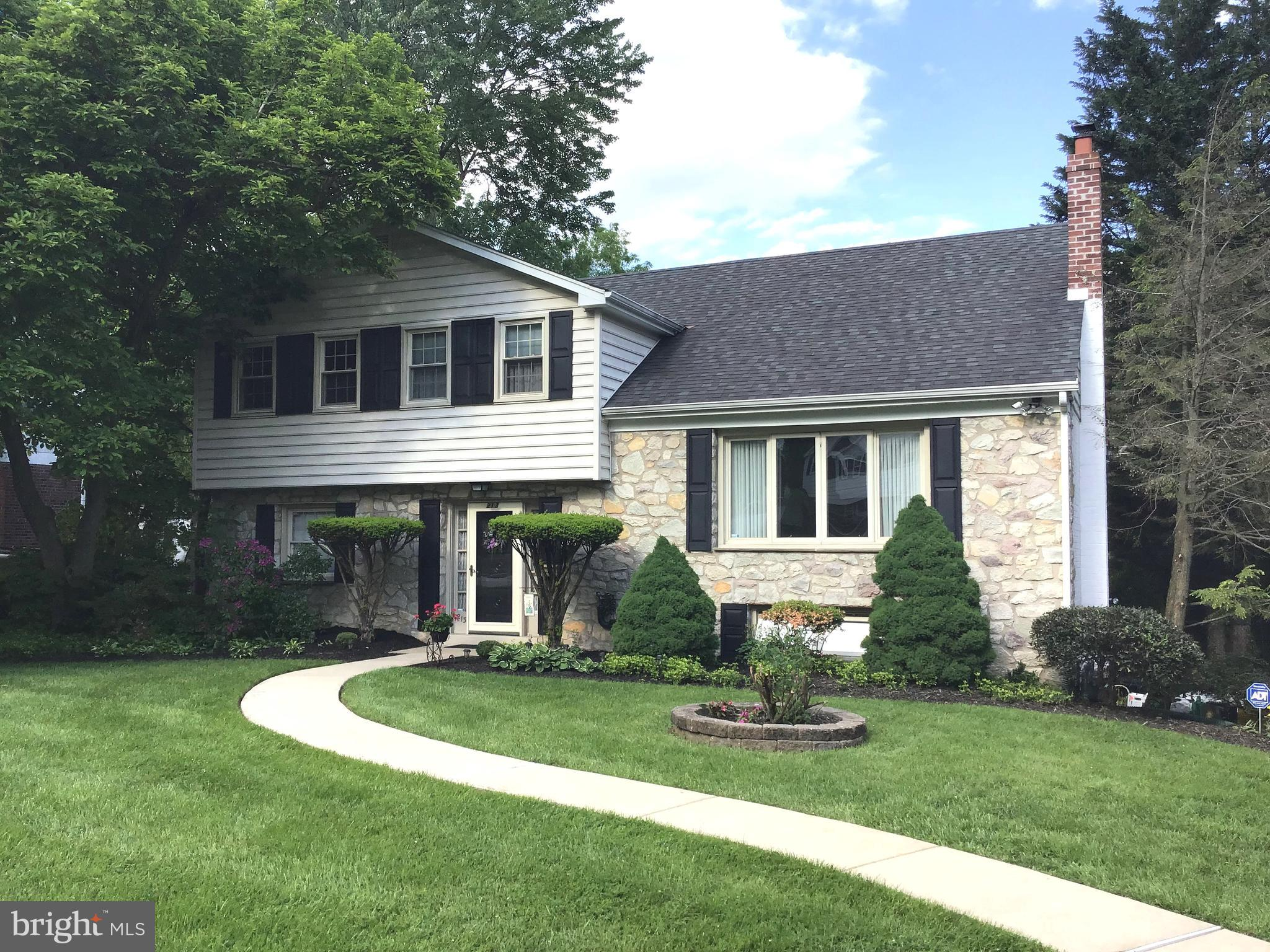 213 PARKVIEW DRIVE, SPRINGFIELD, PA 19064