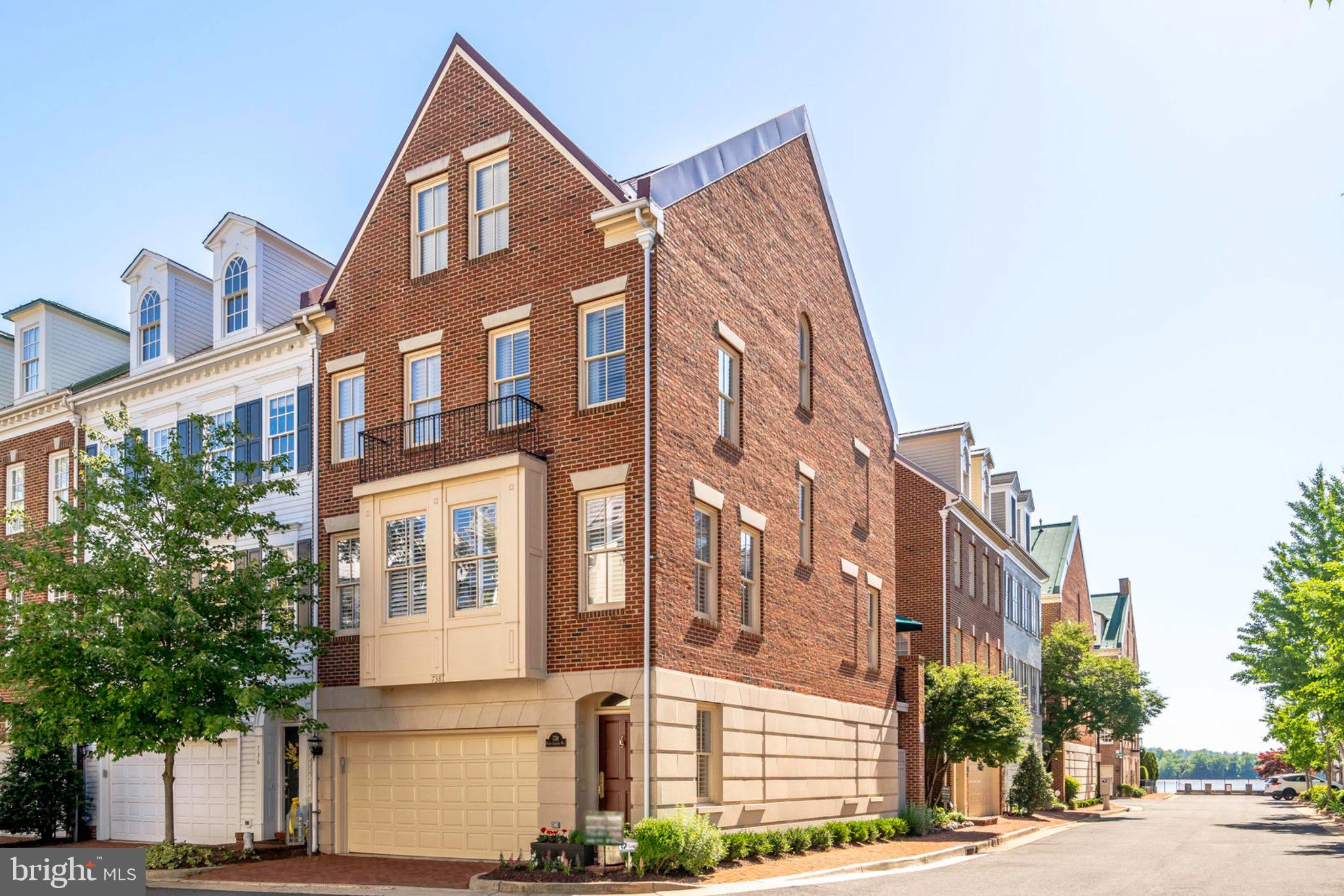 END unit in Ford's Landing, two car garage, steps tothe Potomac River in the SE quad.  Completely renovated master bathroom and kitchen with , Viking and Electrolux appliances.   Walk to shops, restaurants, walkable lifestyle included with purchase.
