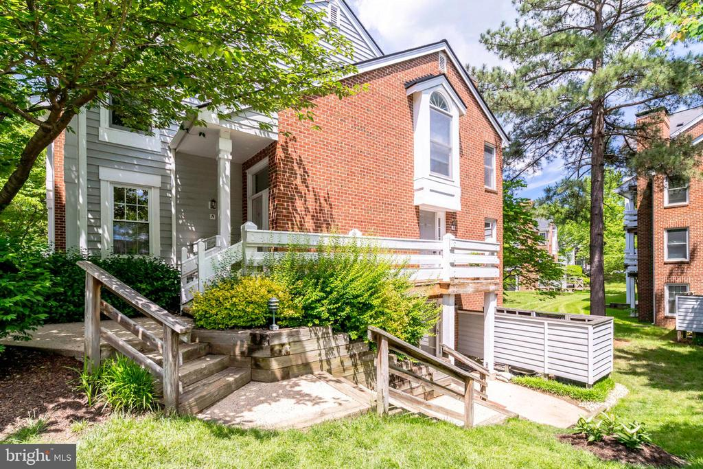 3151-M Covewood Ct, Falls Church, VA 22042