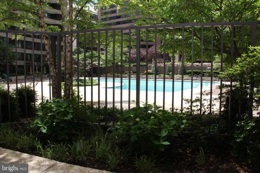 Photo of 1200 Crystal Dr #214