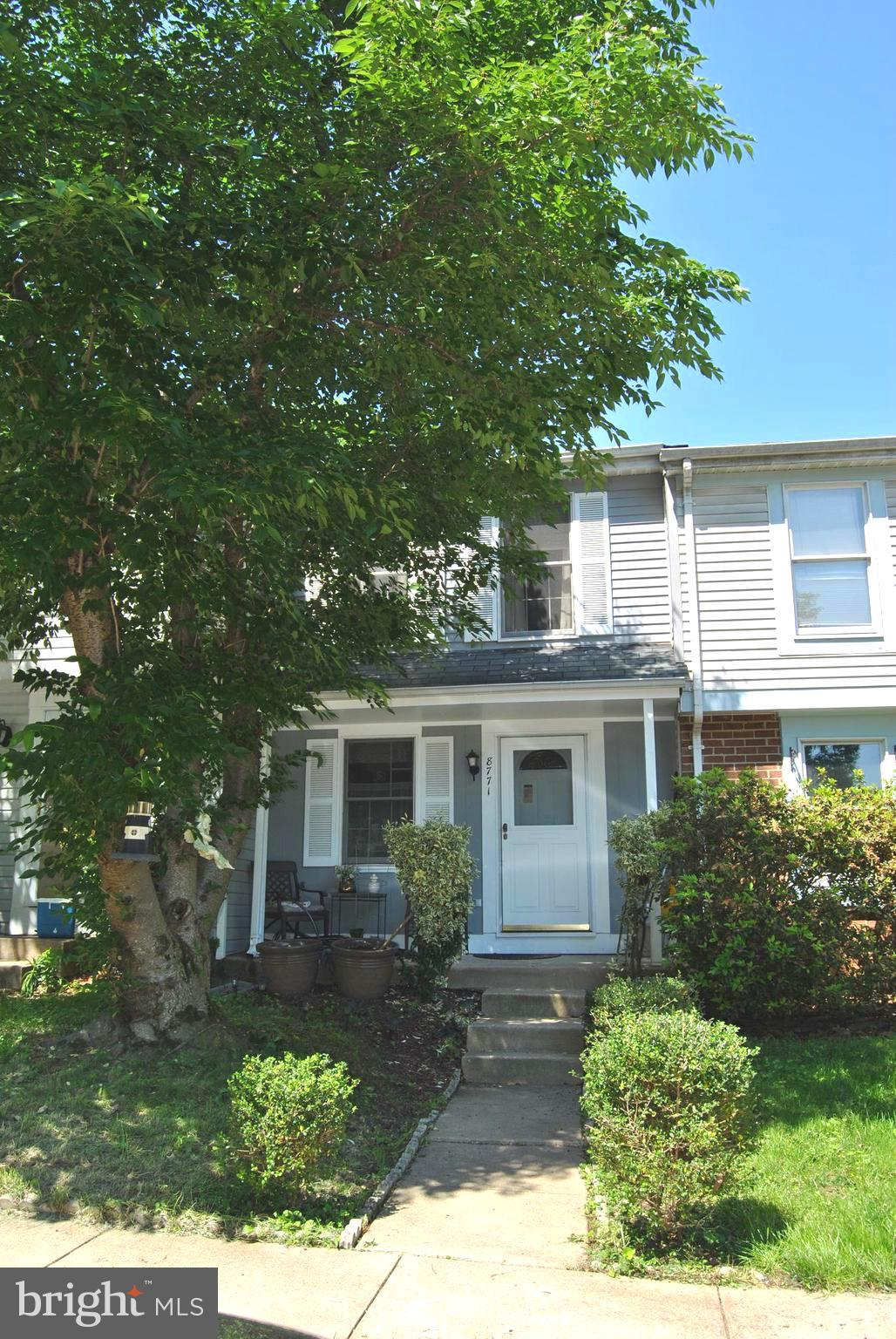 Three (3) Level Townhouse just minutes from Lorton Town Center, VRE, Fairfax Co. Pkwy and Rt. 95. Fenced backyard.