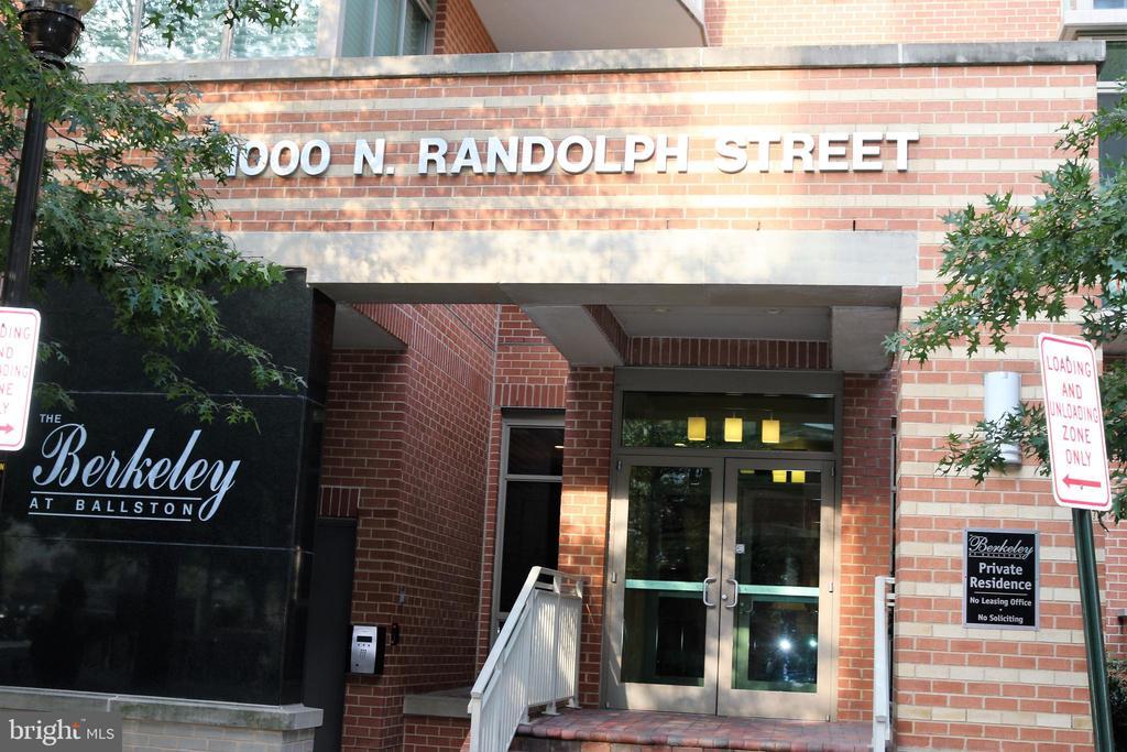 1000 N Randolph St #604, Arlington, VA 22201