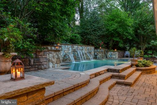 3217 East West Hwy, Chevy Chase, MD 20815