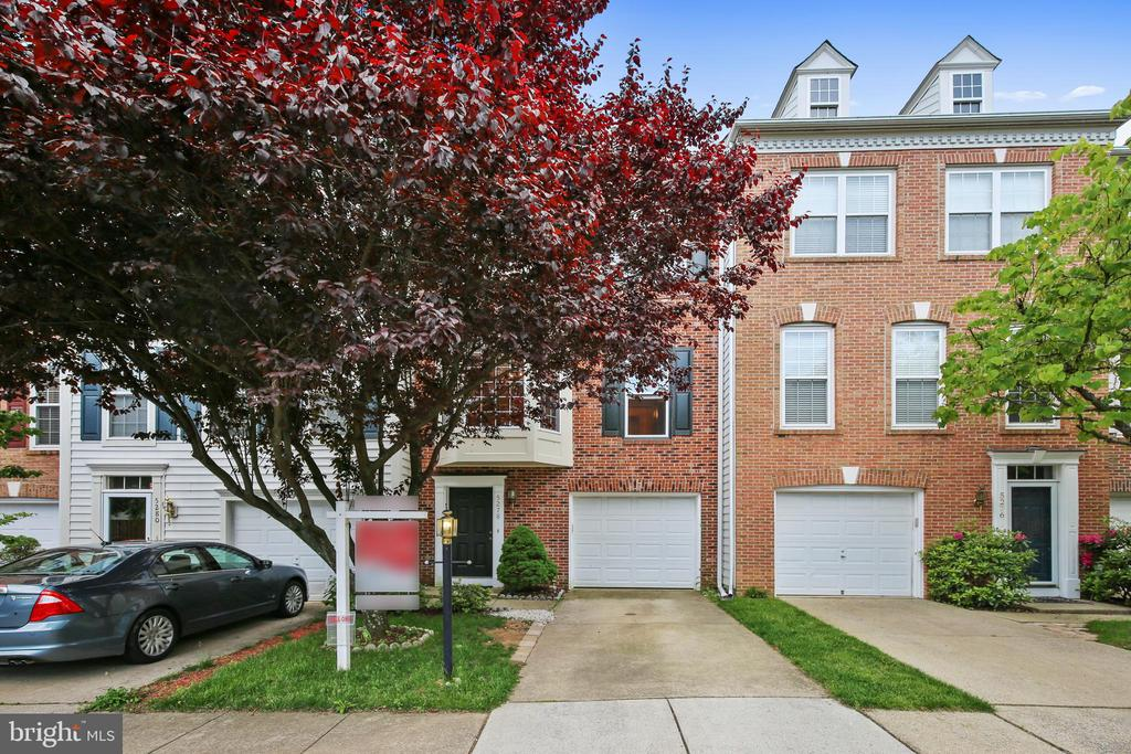 5278 Kestrel Crossing Dr, Alexandria, VA 22312