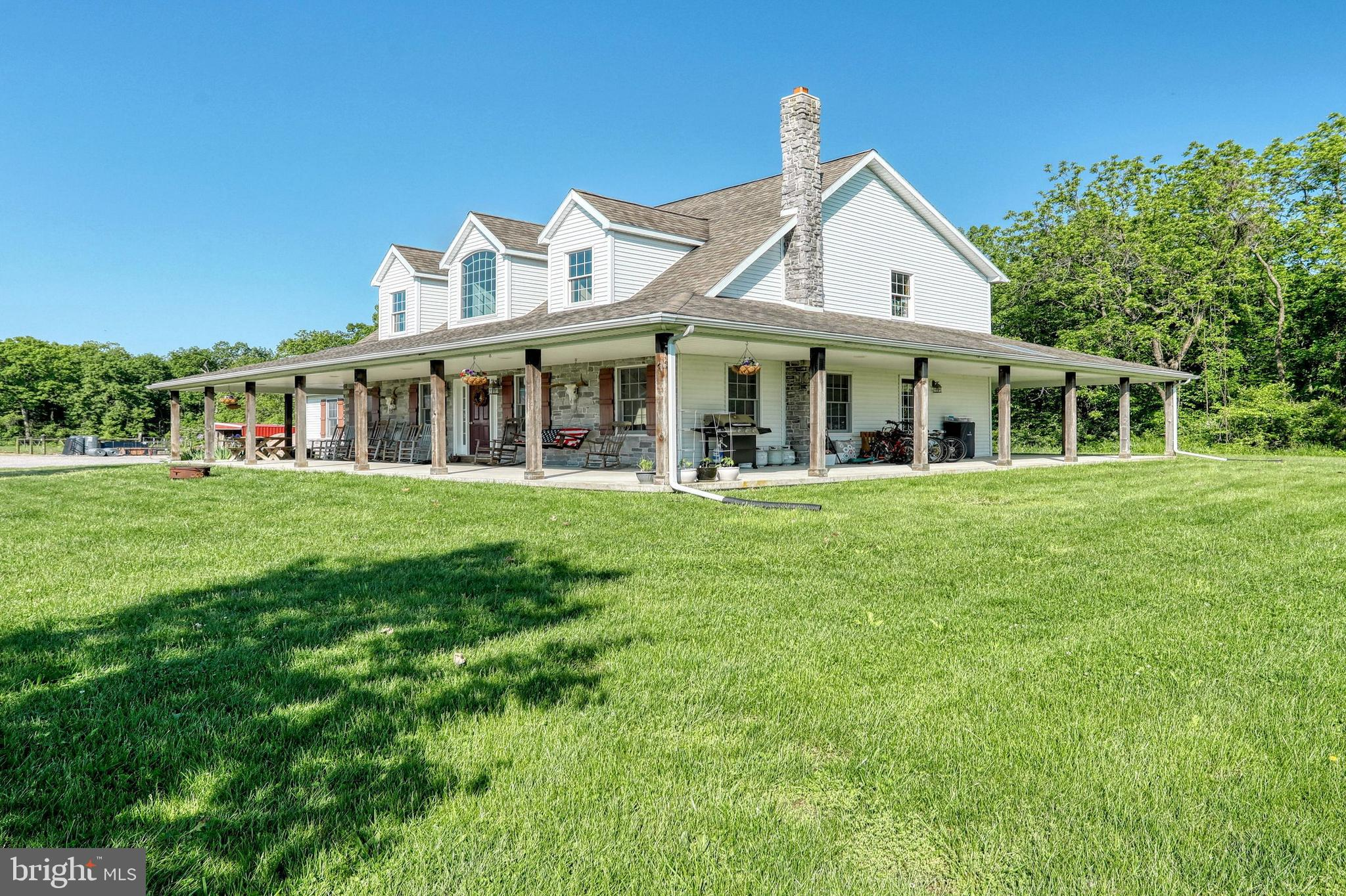 118 N WINDING ROAD, WELLSVILLE, PA 17365