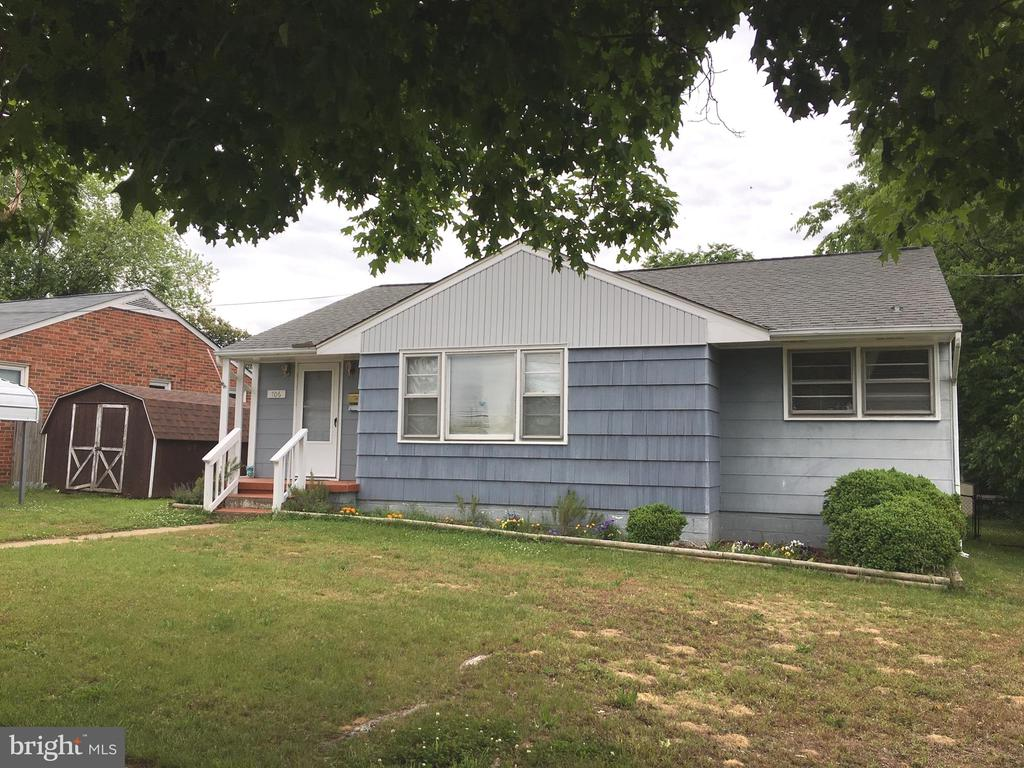Great 3 Bedroom/1 Bath Home located in Fredericksburg.  Home has large Living Room, Separate Dining Area, 3 Bedrooms and separate Laundry Room.  Spacious back yard with Screened-in Porch.  Driveway for off-street parking. Great location. Certain items will not convey - details are available.