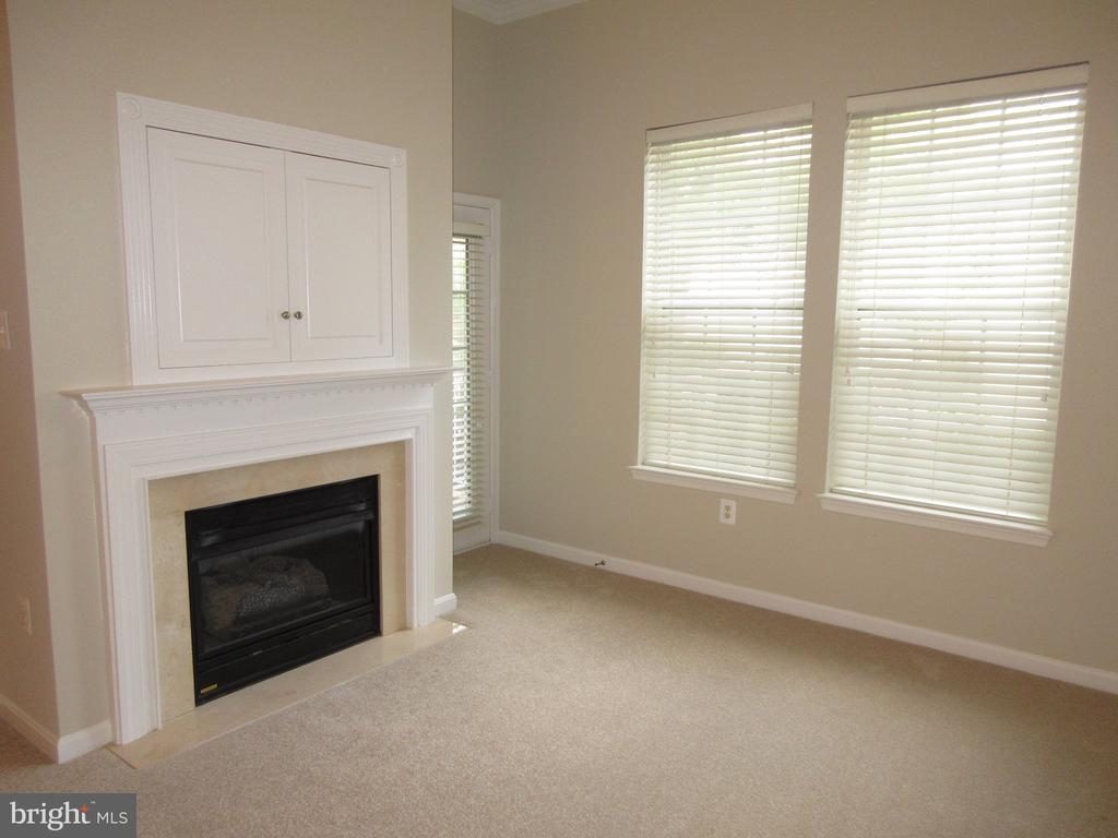 Photo of 4951 Brenman Park Dr #103