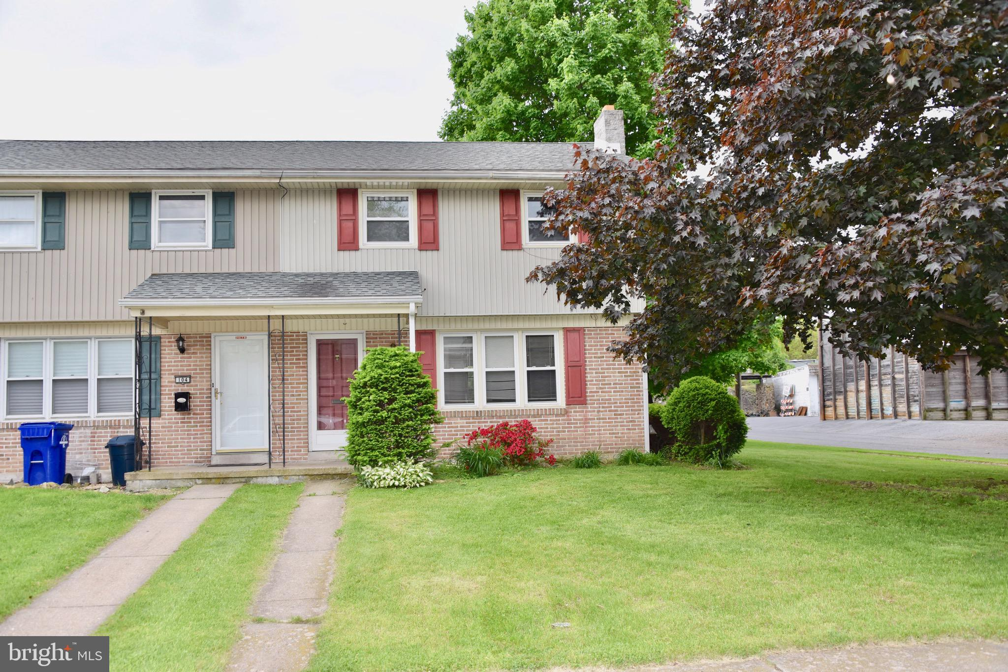 100 PENNBROOK AVENUE, ROBESONIA, PA 19551