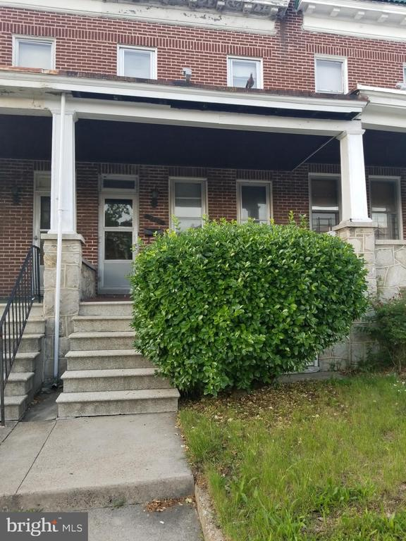 """Being sold """"As-Is"""".. Needs some work. Great investment opportunity for rental income or first home."""