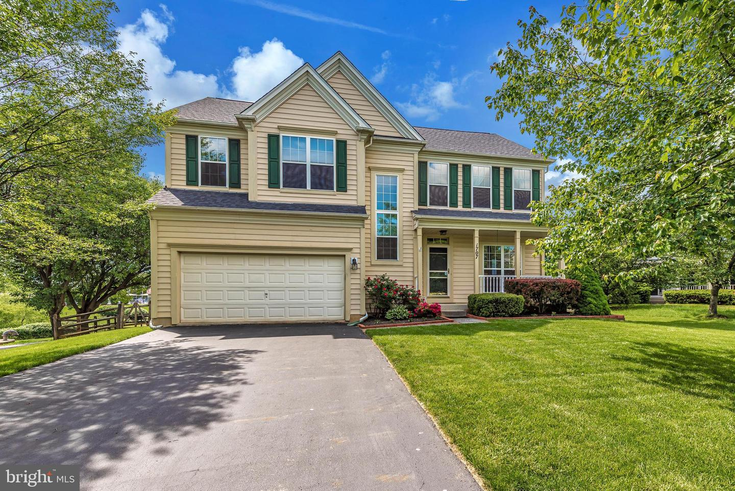 1707 Dearbought Ct Frederick MD 21701