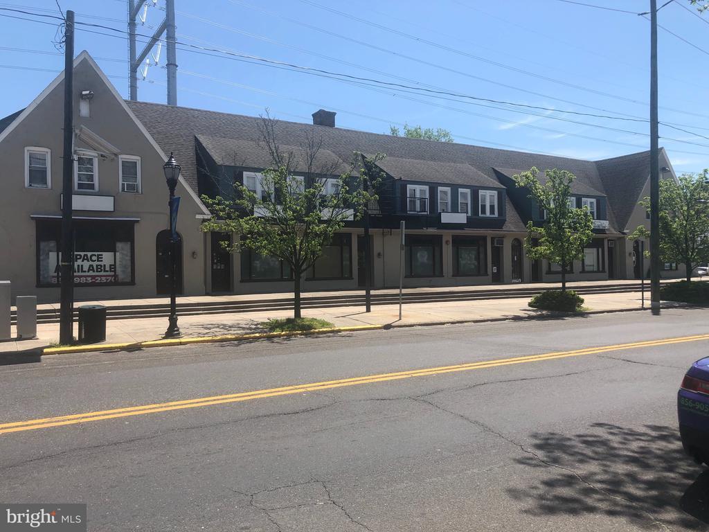 106 NEW BROADWAY 106, BROOKLAWN, NJ 08030