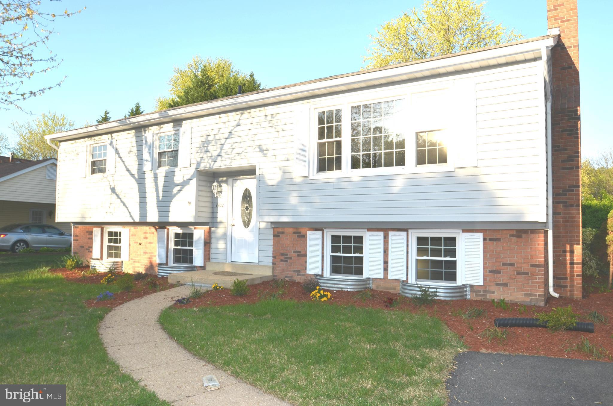 WONDERFUL 4BR HOME W/ BUMPOUTS IN HAYFIELD FARM..UPDATED KIT W/ GRANITE COUNTERS & S.S. APPL..RELAXING SUNROOM W/ WALKOUT TO DECK..HUGE REC RM W/ WOOD STOVE & SEP DEN..EXTRA ROOM FOR CRAFTS OR OFFICE..REFINISHED FLOORS..NEWER WINDOWS, DECK, ETC..CLOSE TO SHOPPING, K-12 WALK TO SCHOOLS..EASY ACCESS TO SHOPPING, FT. BELVOIR, BELTWAY & OLD TOWN....AVAIL 7 JUNE