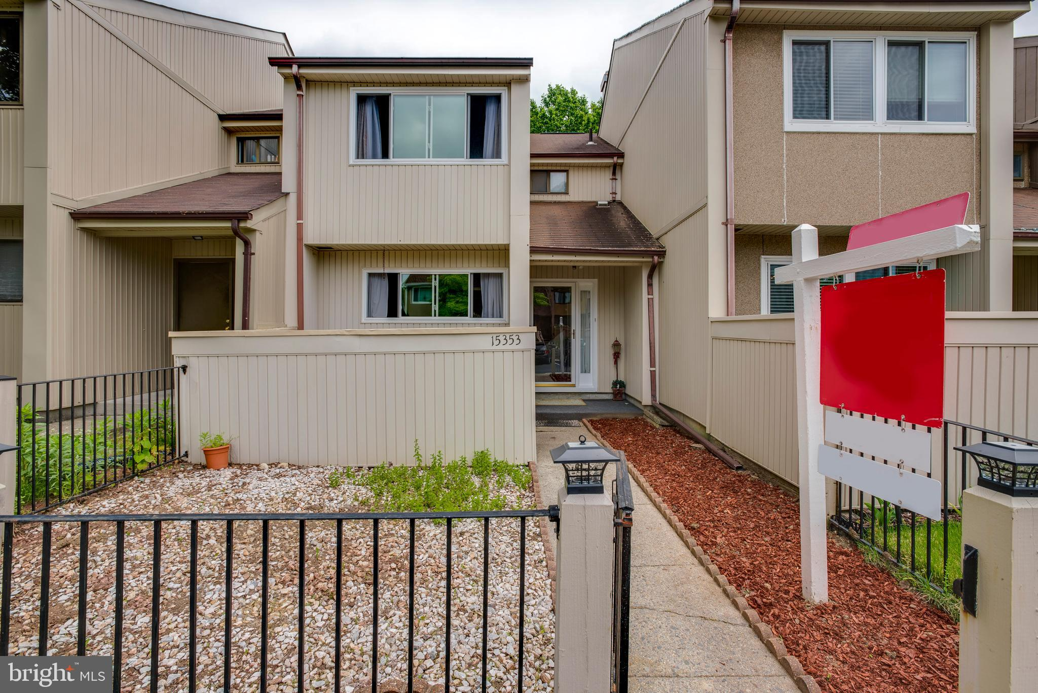 Perfect Beginning.......Charming townhome has many new features Updated Kitchen w/Backsplash, New Appliances, New Laminate Floors on the main level, New Windows, Updated Bathrooms, HVAC(1 year),  Finished Basement w/Plank Floors, New sliding Glass Door, New Fixtures, Fully Fenced, Wall to Wall Carpet in Bedrooms, and low HOA . Close to major highways, restaurants, shops,  Commuter Lots and minutes away from Stonebridge Center