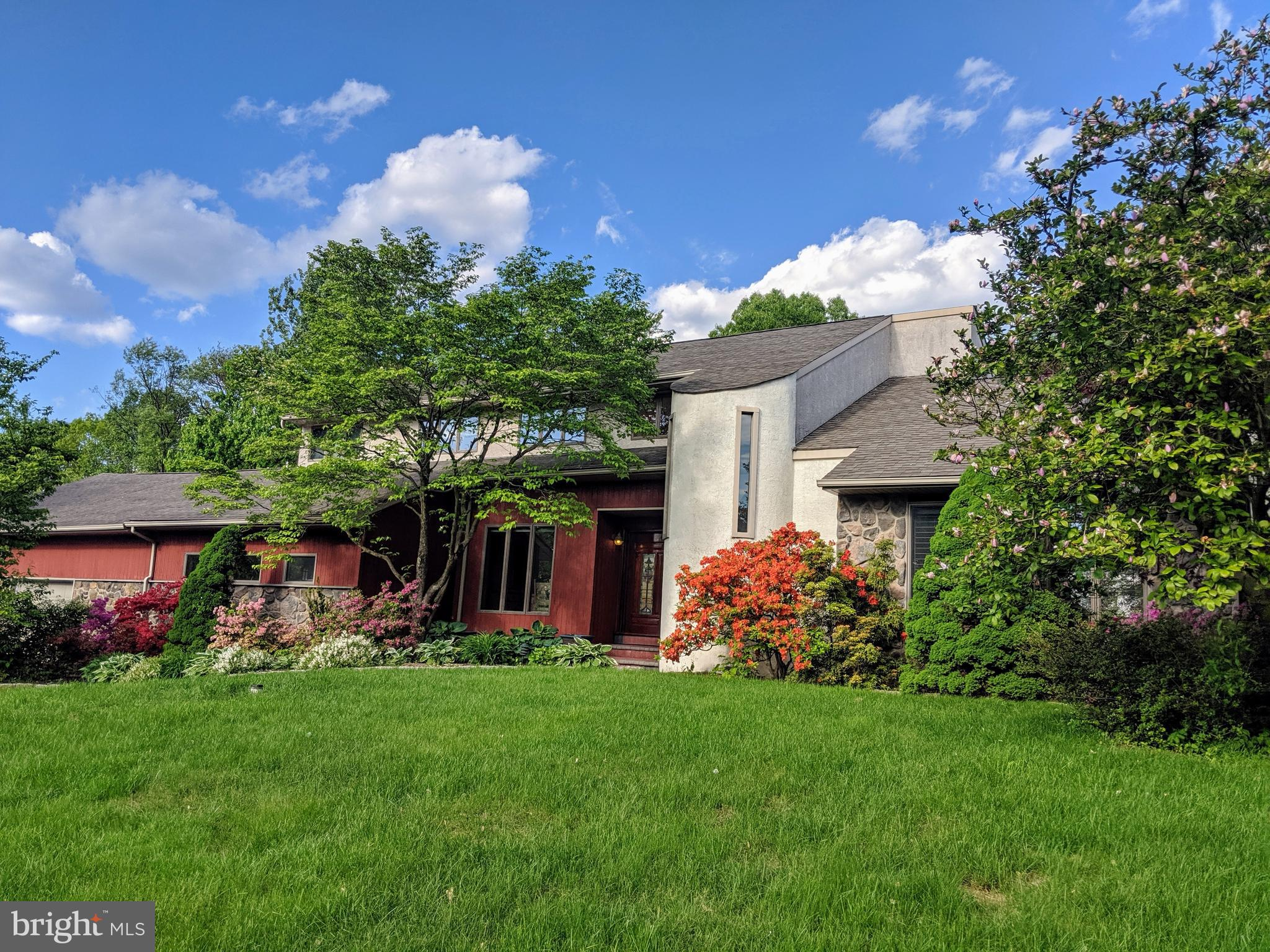 5275 CHESTNUT HILL ROAD, CENTER VALLEY, PA 18034