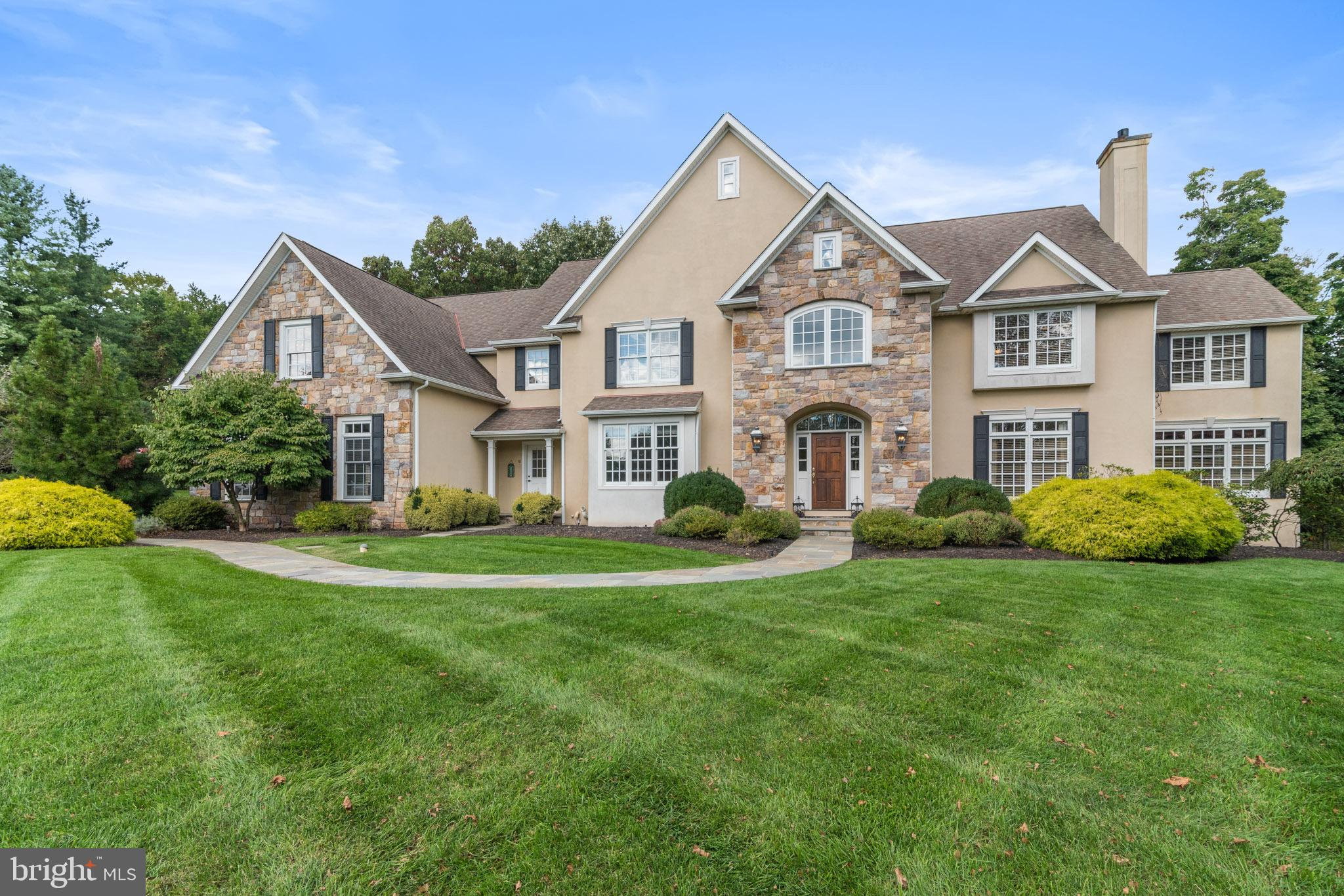10 DEVONSHIRES COURT, BLUE BELL, PA 19422