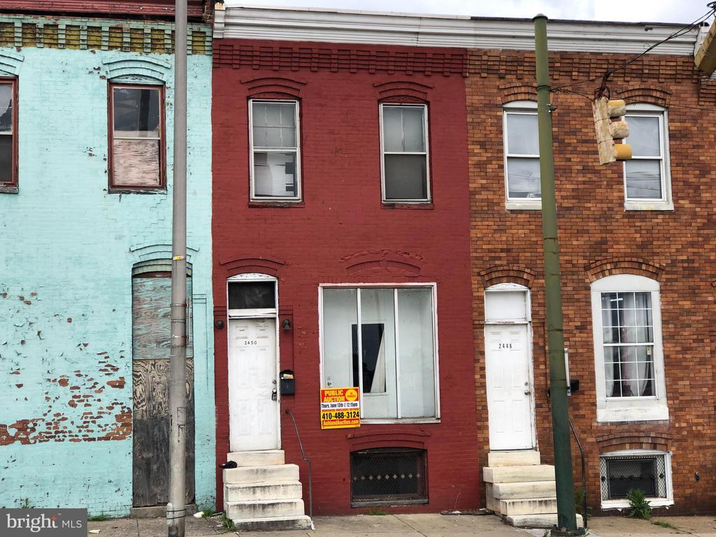 POST AUCTION DEAL-BUY NOW! 2 Story Townhome in Shipley Hill. Property is Vacant. 10% Buyer's Premium or $1,000 whichever is greater. Deposit $2,000. For full Terms and Conditions contact auctioneer's office.