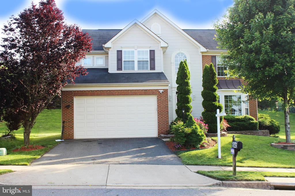 8045 TOWERING OAK WAY, MANASSAS, VA 20111