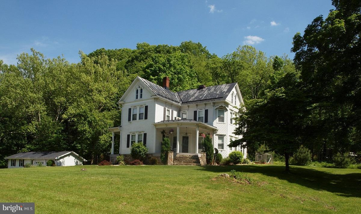 136 PRIEST MILL ROAD, FRANKLIN, WV 26807
