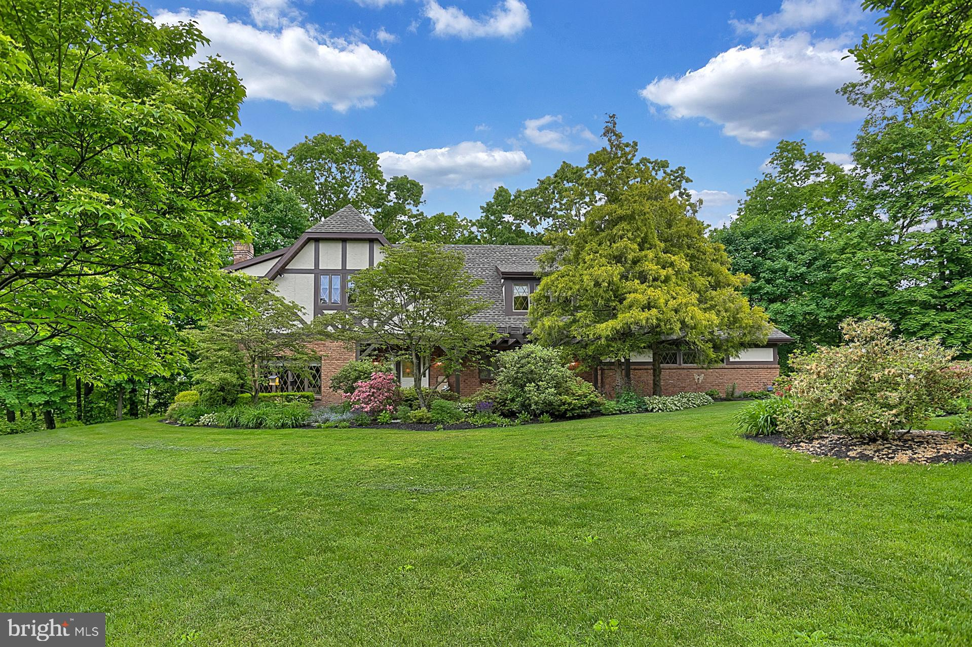 406 OLD MILL ROAD, NEW OXFORD, PA 17350