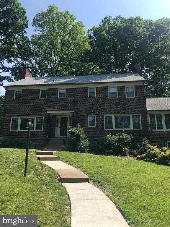 3515 Highview Pl, Falls Church, VA 22044