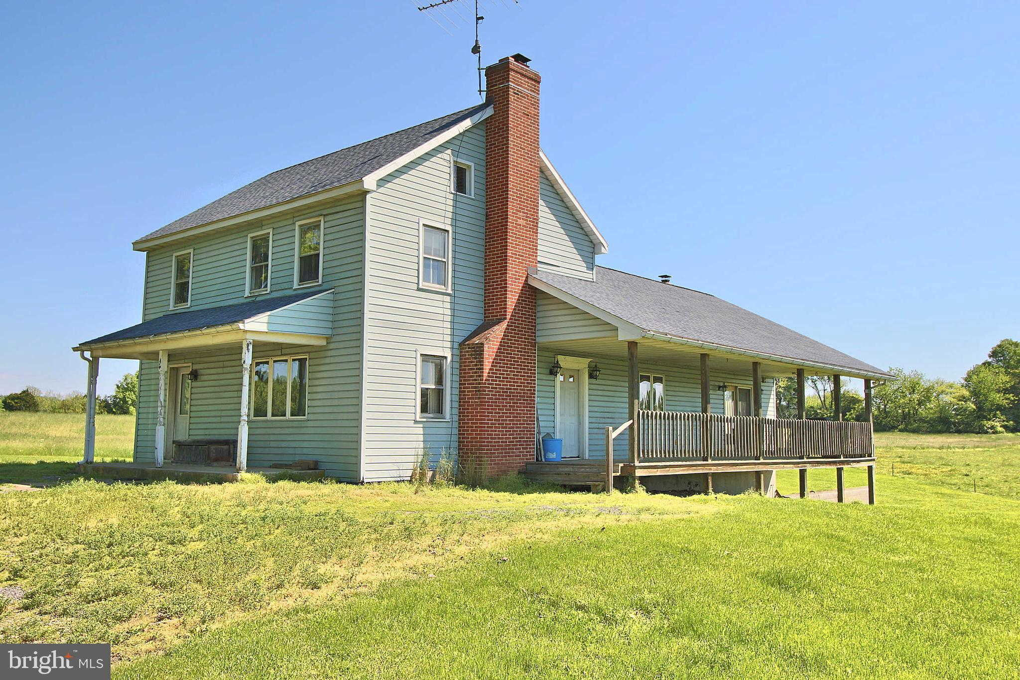 1079 TURKEY PIT ROAD, NEW OXFORD, PA 17350