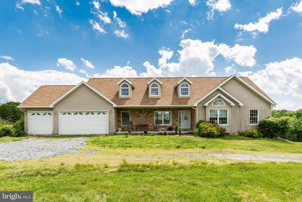 5400 DONOHUE WAY Maryland and Pennsylvania Home Listings - Long and Foster Real Estate Inc. Maryland and Pennsylvania Real Estate