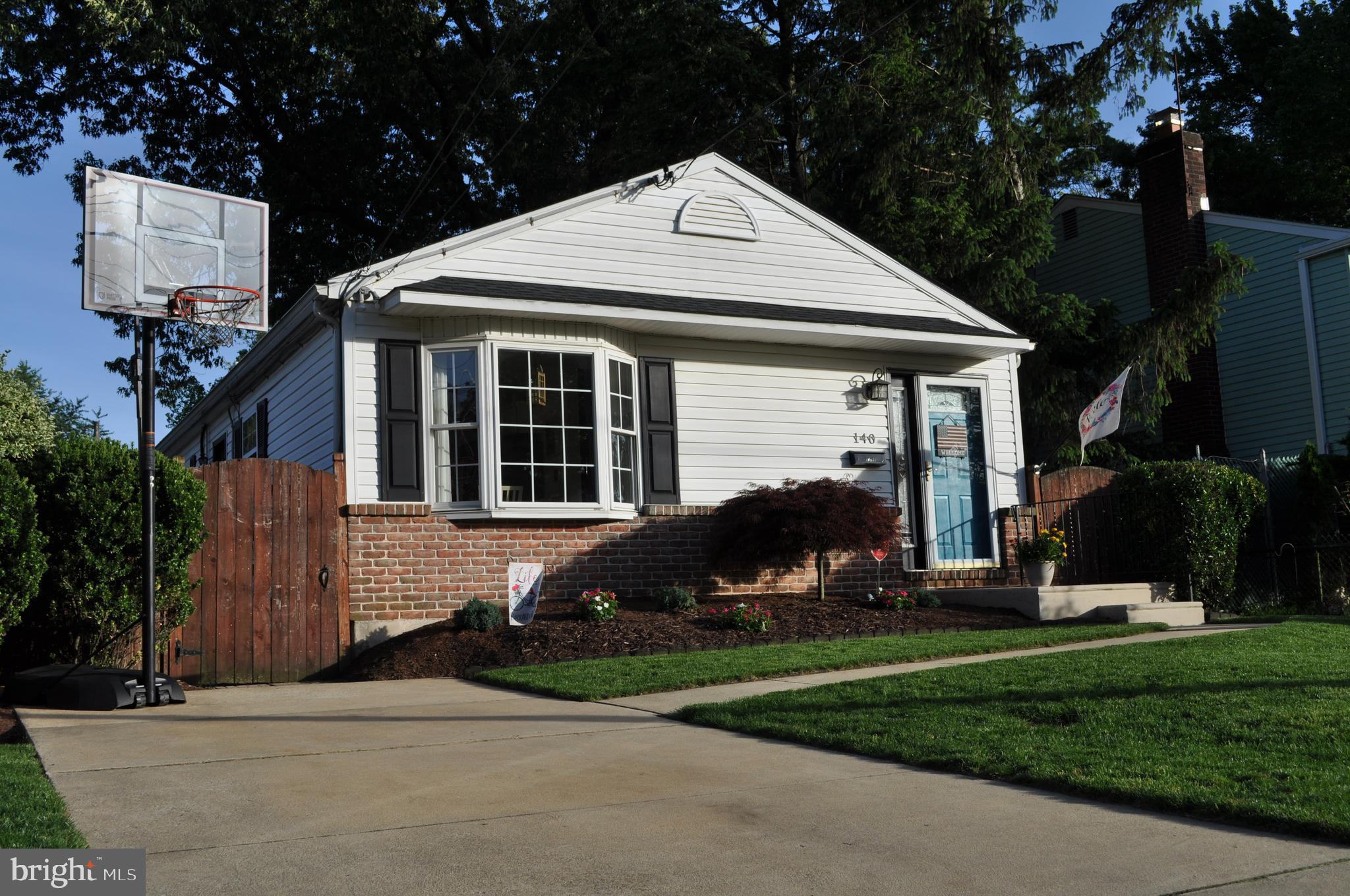 140 CHIPPEWA STREET, ESSINGTON, PA 19029