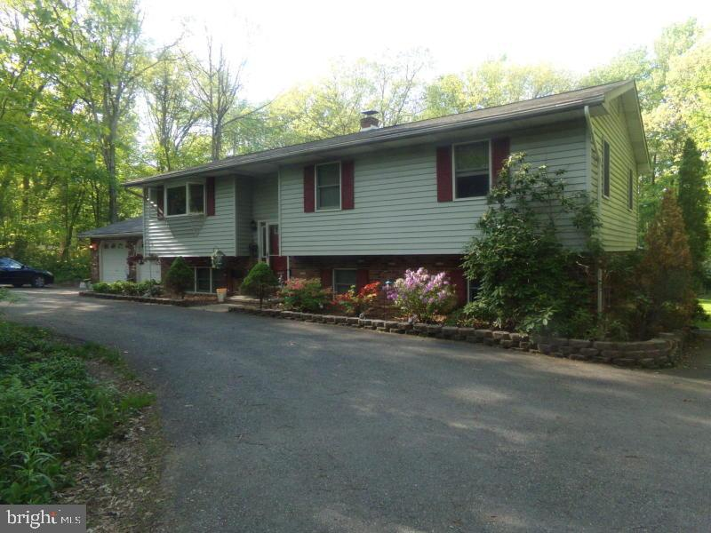 186 HIGH POINT DRIVE, KUNKLETOWN, PA 18058