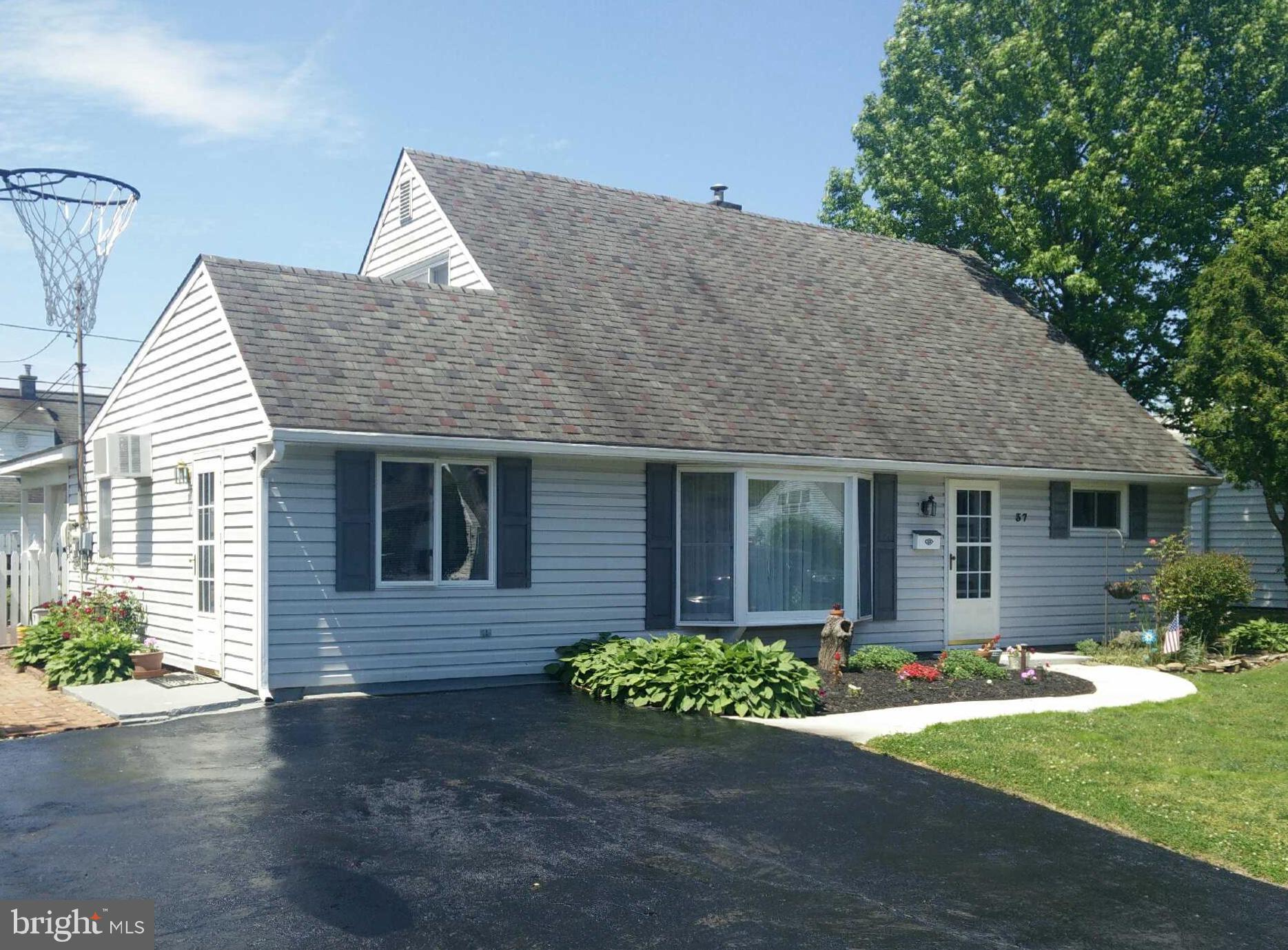 37 CLIFF ROAD, LEVITTOWN, PA 19057
