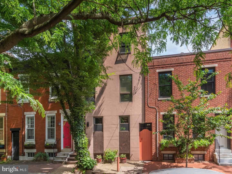 2211 Naudain Street Philadelphia, PA 19146