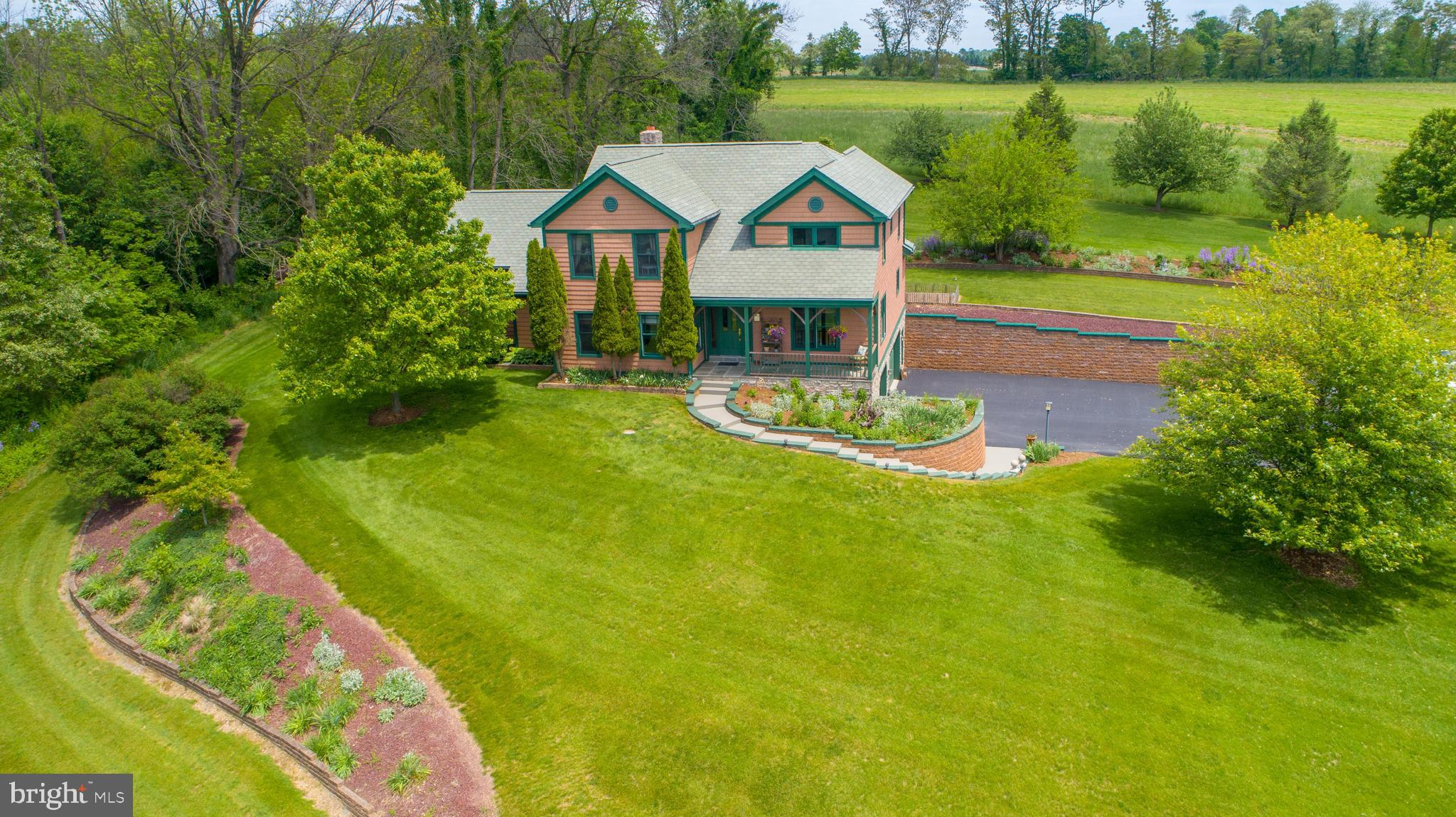 835 WHITE OAK ROAD, MANHEIM, PA 17545