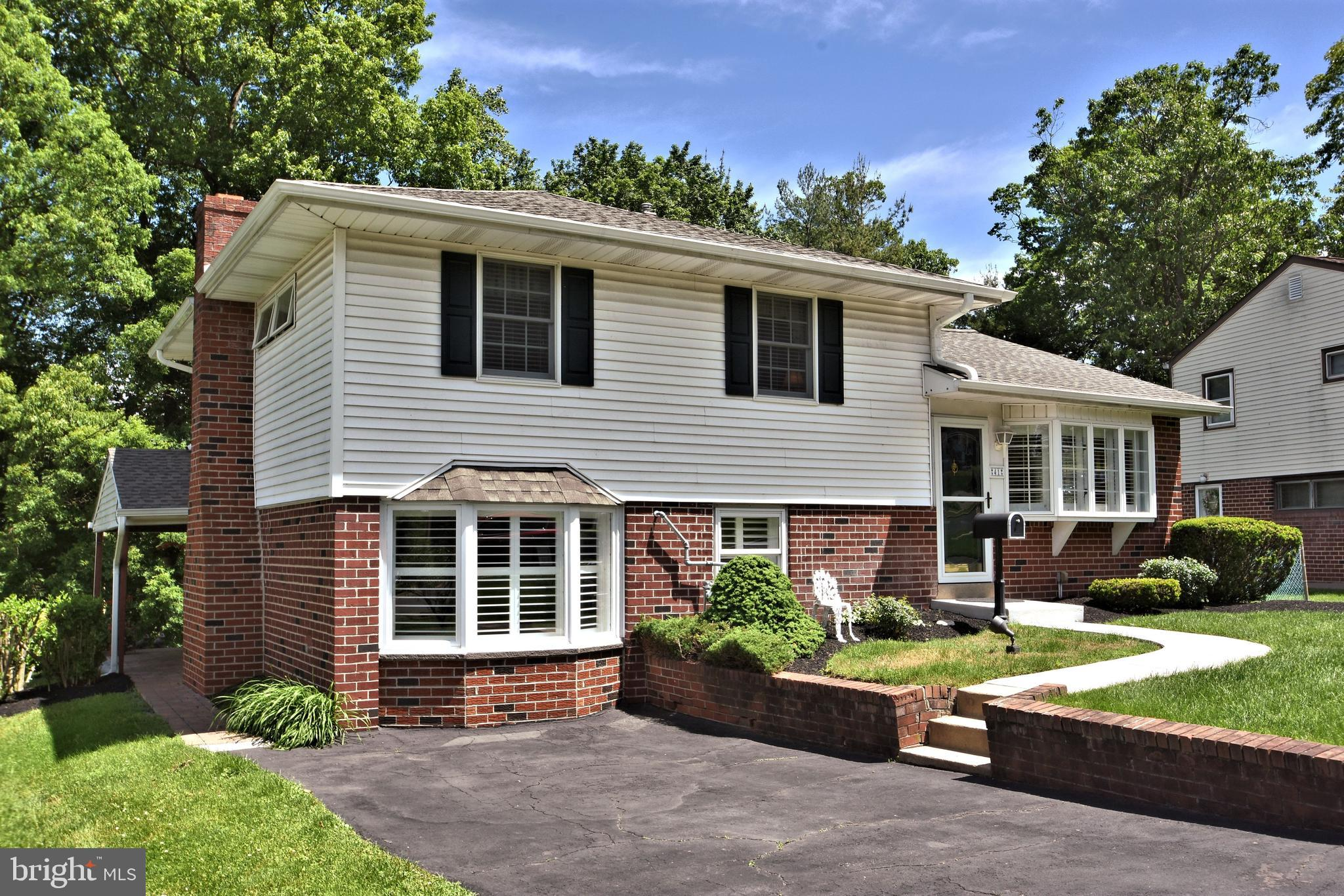 41 RUSSELL ROAD, WILLOW GROVE, PA 19090