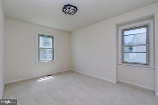 Photo of 5775 Heming Ave