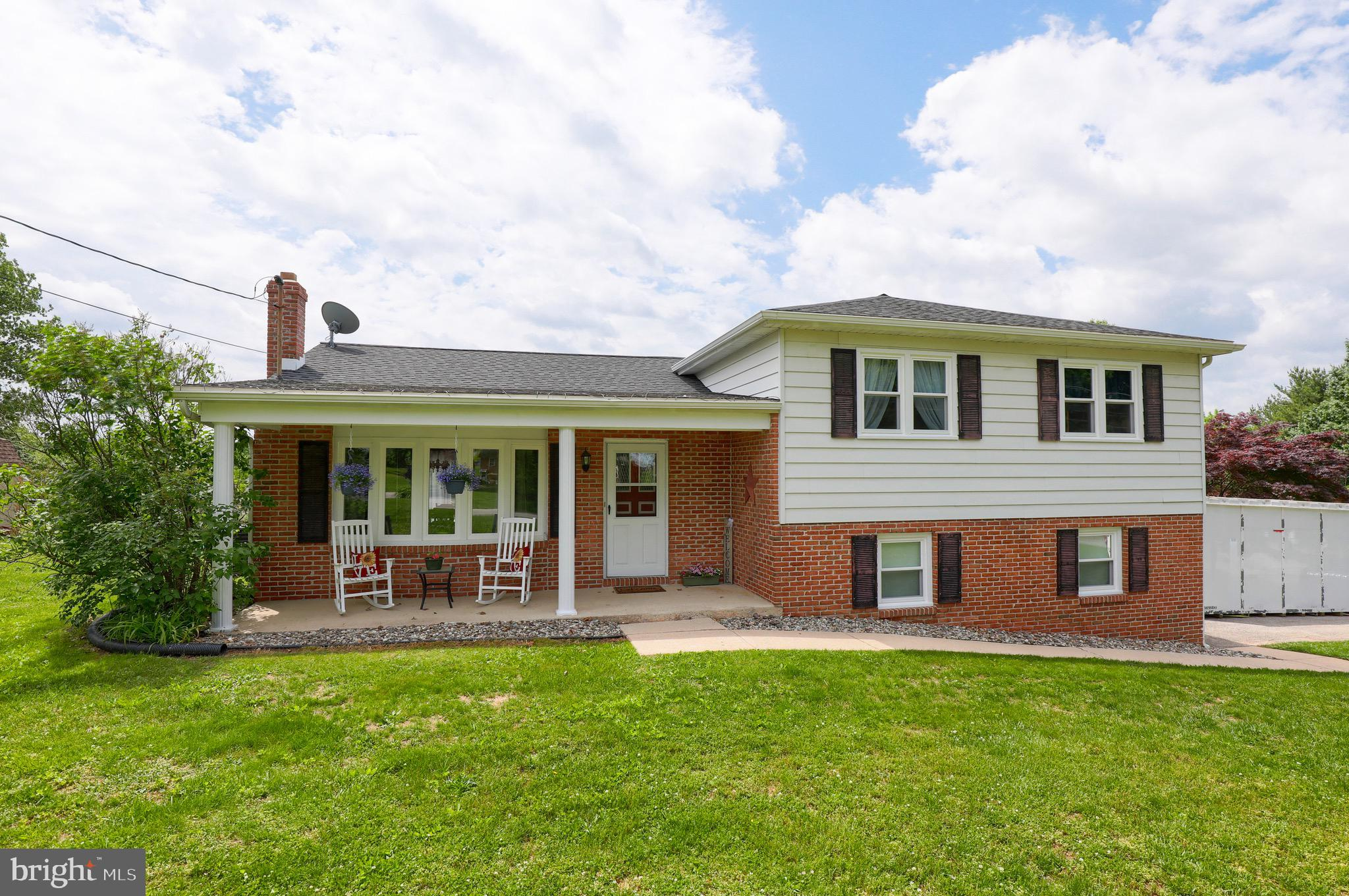 439 VALLEY ROAD, YORK, PA 17407
