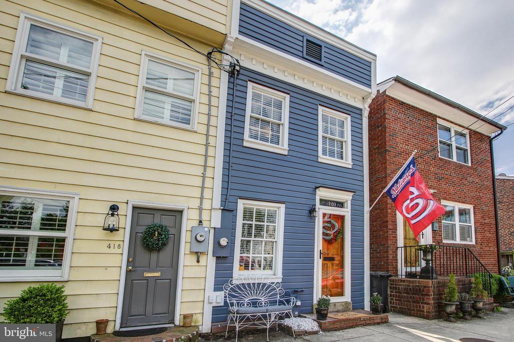 Wonderful, sun-filled 2 bedroom /2 full bath Victorian row house is quintessentially southeast quadrant Old Town! As you enter you see the home ooze with updates & perfection. Kitchen has been updated in 2018 and main level full bath has been remodeled. In 2015 renovations included re-siding and insulating the property, a new front door and front storm door as well as four new Mitsubushi Electric -a mini split AC/heating  units throughout the house. The spacious family level addition with large windows overlooks the backyard. Bonus- Large upper deck perfect for enjoying the evening sunset.   BLOCKS TO HEART OF OLD TOWN- with fine dining, shops & entertainment, waterfront. Balducci's is close by and so is the Metro. Half a block from the Mount Vernon Trail - which runs from Rosslyn to Mount Vernon. Easy access to GW Parkway & Route 1 making it easy to commute to Crystal City, Reagan National, National Landing / Amazon HQ2 & downtown DC.