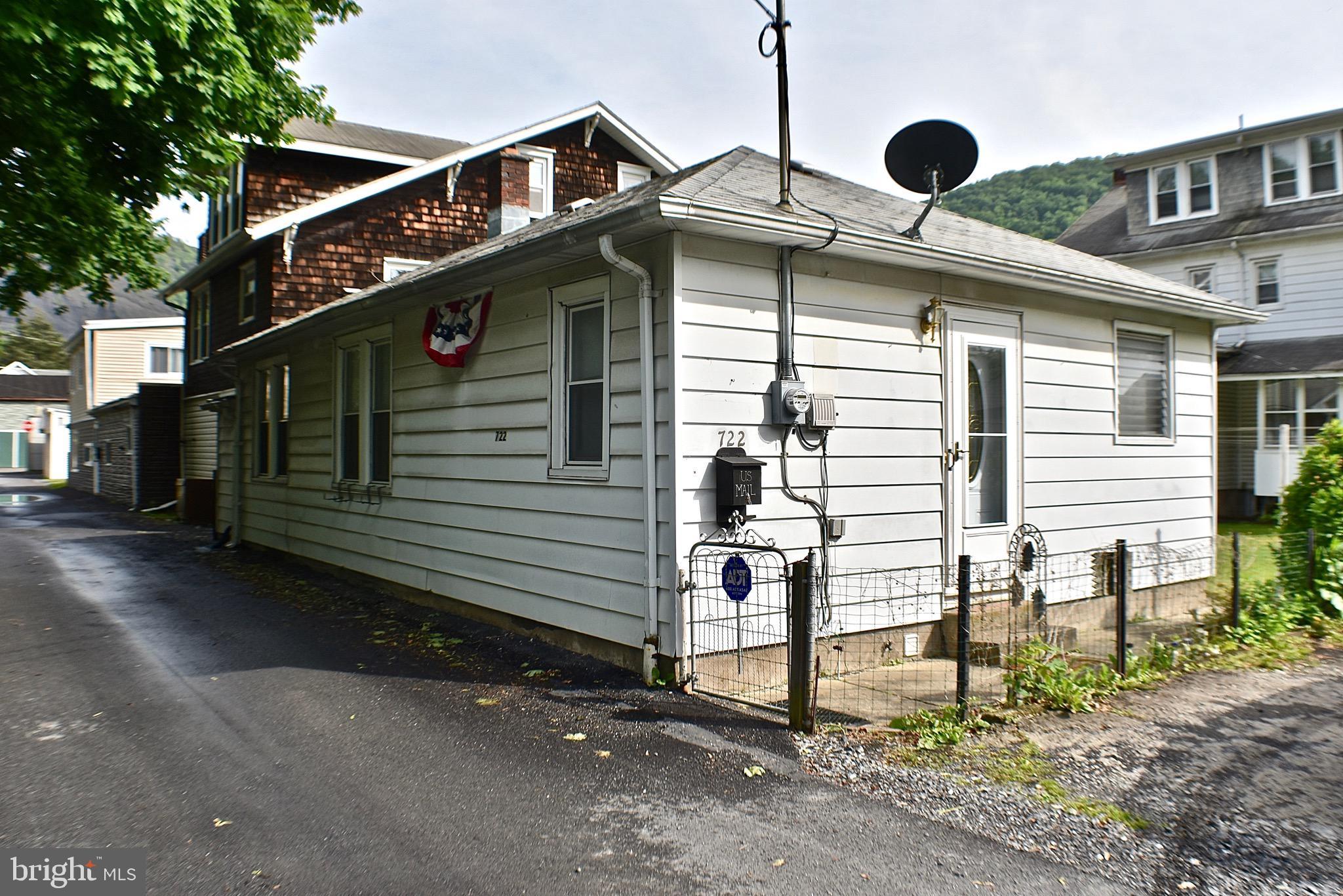 722 STEVENS STREET, COAL TOWNSHIP, PA 17866
