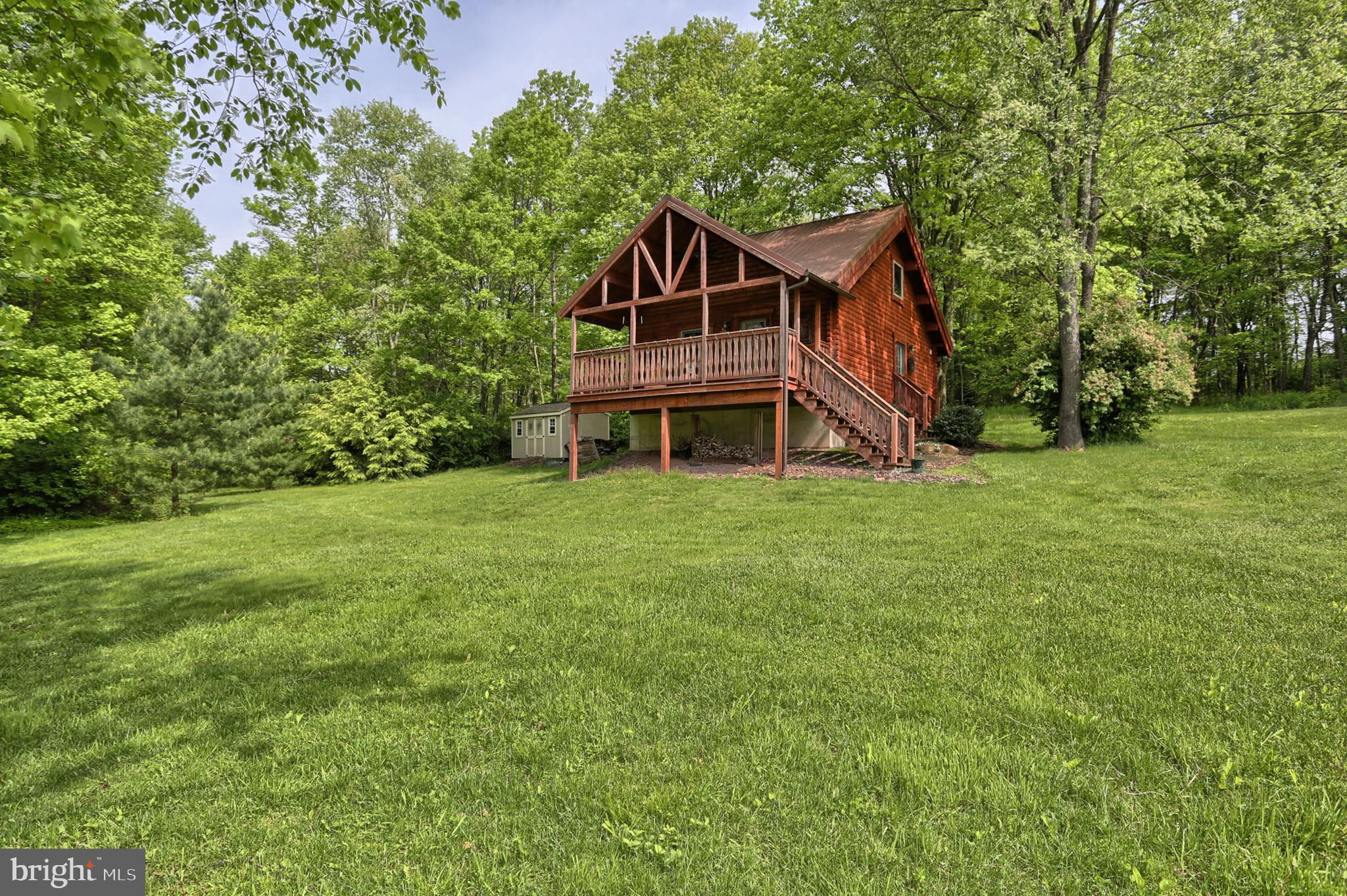33 S 5TH AVENUE, BARNESVILLE, PA 18214