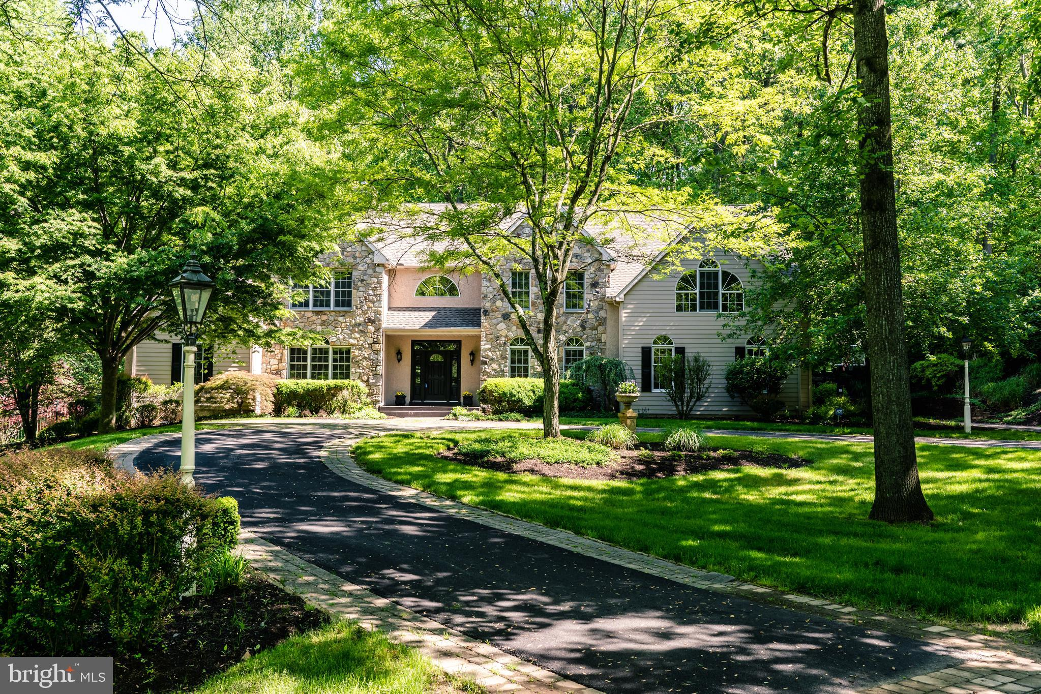 17 HONEYSUCKLE COURT, GLEN MILLS, PA 19342