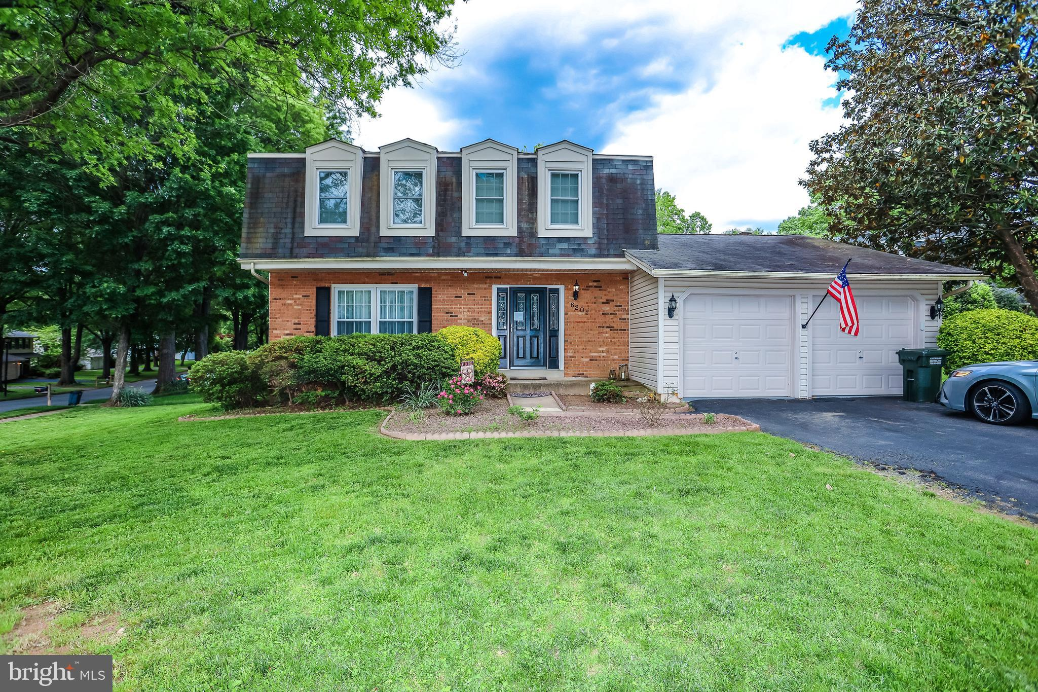 Well kept colonial in the heart of Burke Centre for the short sale price! Home needs minimal work and is priced accordingly. Updated kitchen, gleaming hardwoods on the main level, and a cozy deck out back make this home really stand out.