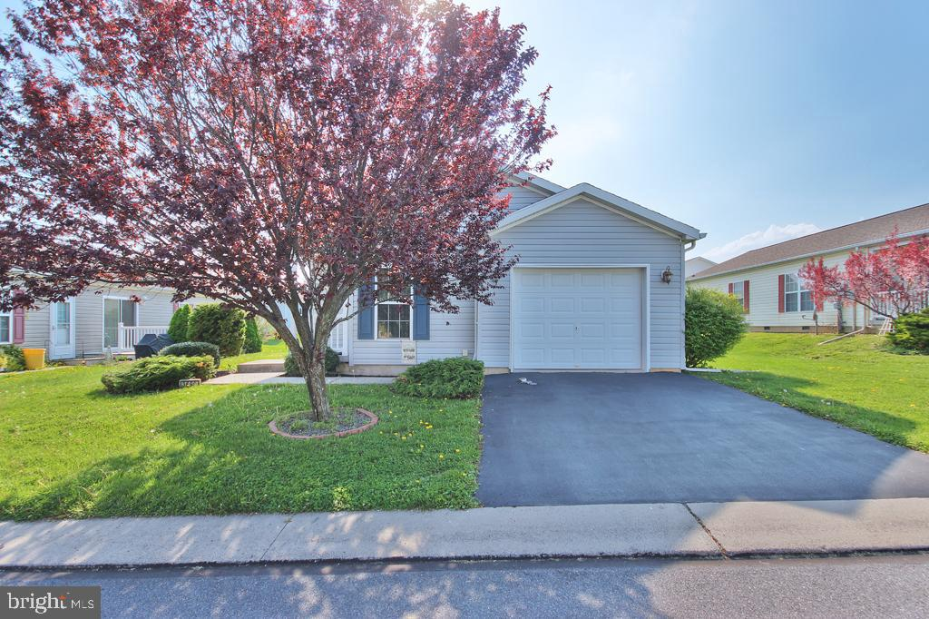 3690 MARBLE PLACE, EASTON, PA 18040